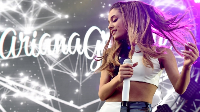 ARIANA GRANDE, UN MESE AL CONCERTO ITALIANO DELL'HONEYMOON TOUR