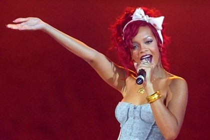 RIHANNA ELETTA WOMAN OF THE YEAR DA ITALIAN VOGUE
